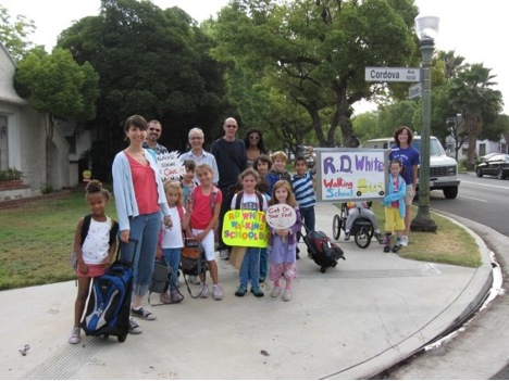 R.D. White Elementary School – Glendale Walk to School Day 2009.  Photo courtesy of Kara Sergile.