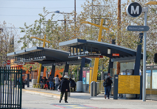 Metro Orange Line Stop in North Hollywood.  Photo:##http://www.flickr.com/photos/chrisyarzab/##Chris Yarzab##