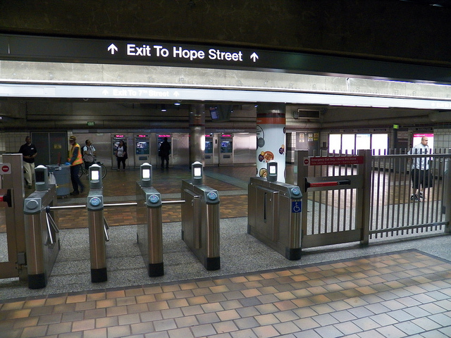 A Tip To Metro At 7th Street Metro Center Signage Needed