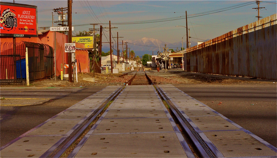 The tracks at Crenshaw, looking east. Sahra Sulaiman/StreetsblogLA