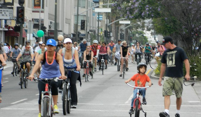 CicLAvia opens Wilshire Boulevard this Sunday. 9am-4pm, Fairfax to Grand. Photo: Chris via Flickr