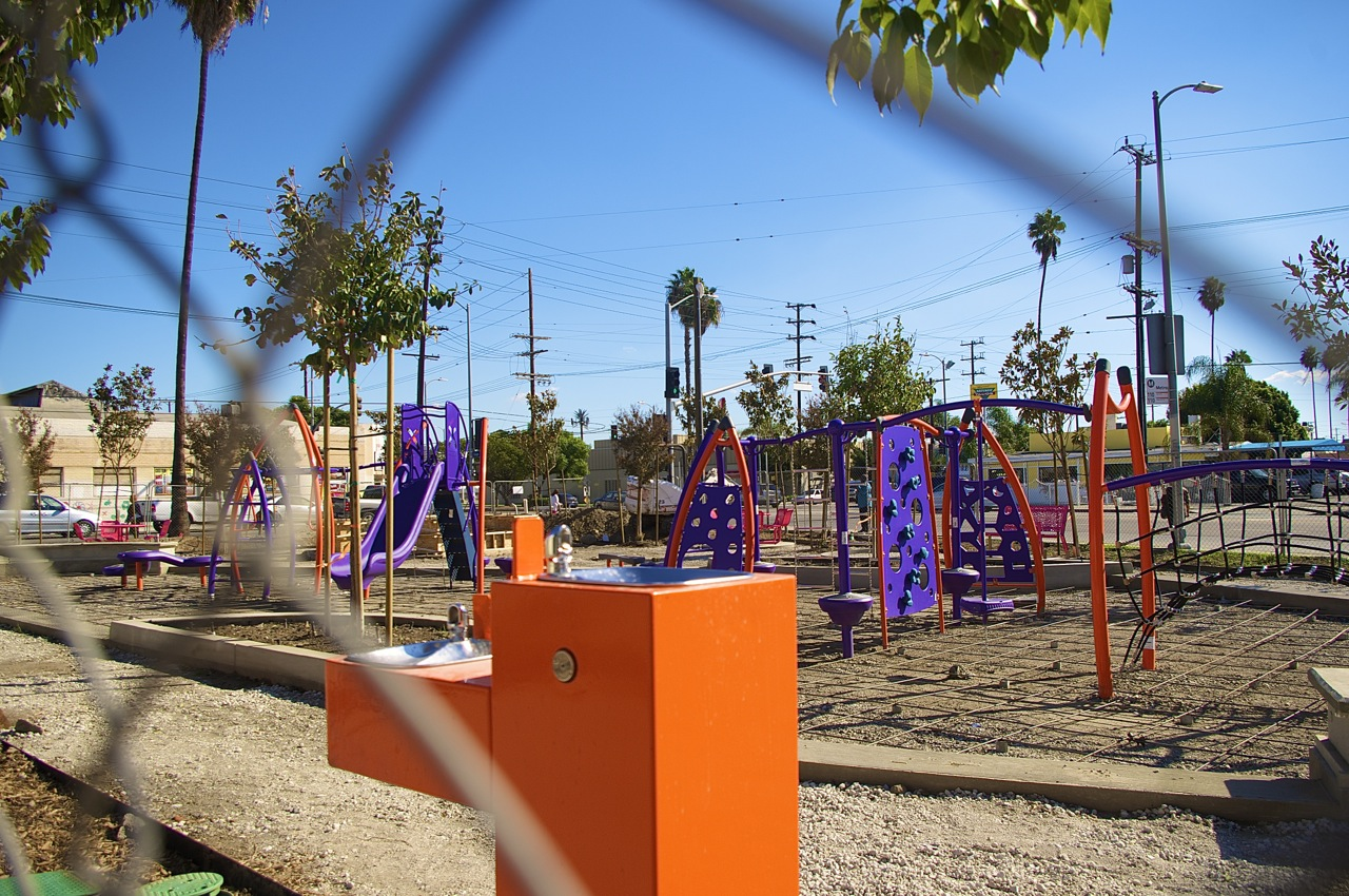 The pocket park at Avalon and Gage takes shape. Sahra Sulaiman/Streetsblog L.A.