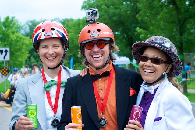 Francie Stefan (left), with SM Spoke's Bryan Beretta and Cynthia Rose at the Brompton U.S. Championships.  Photo by Martha Garcés for ##http://www.bromptonuschampionship.com/triple-crown-winners-honored/##Calhoun Cycle.##