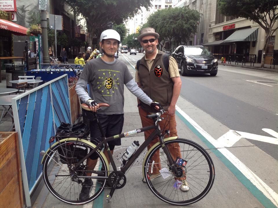 Lucero on the left with 2011 Streetsie winner Colin Bogart in DTLA. Photo: ##https://www.facebook.com/photo.php?fbid=366446013549292&set=t.526006101&type=3&theater##Erik Al##