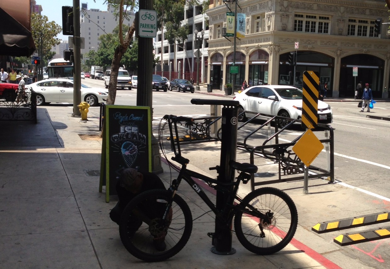 New bike corral and repair stand in front of Peddler's Creamery in downtown Los Angeles. Photos by Joe Linton/Streetsblog L.A.